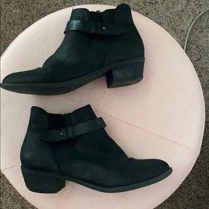 Madden Girl Chelsea Boots